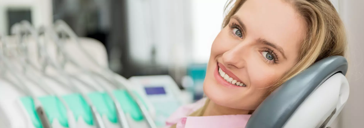 femme chez un dentiste dentego