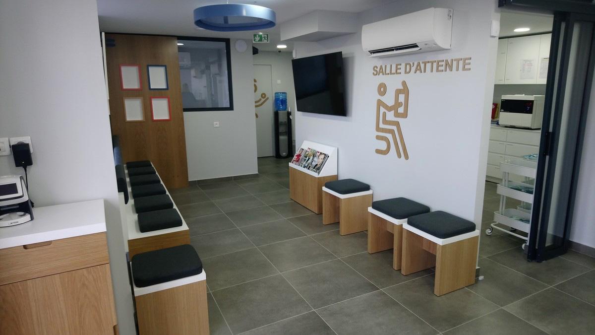 Salle d'attente centre dentaire dentego